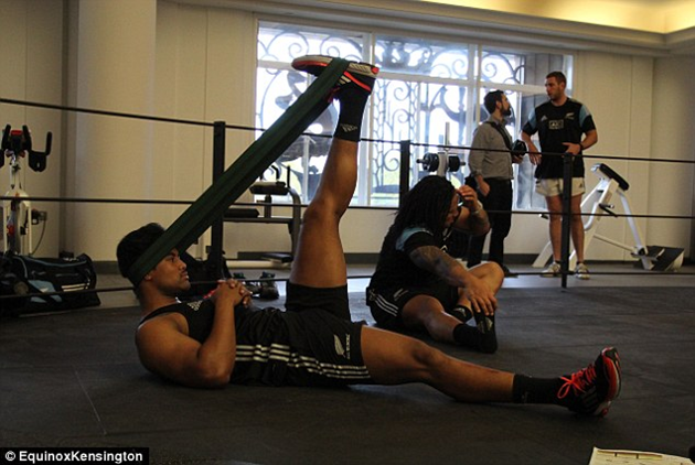 Julian Savea Hurricanes Training Physio